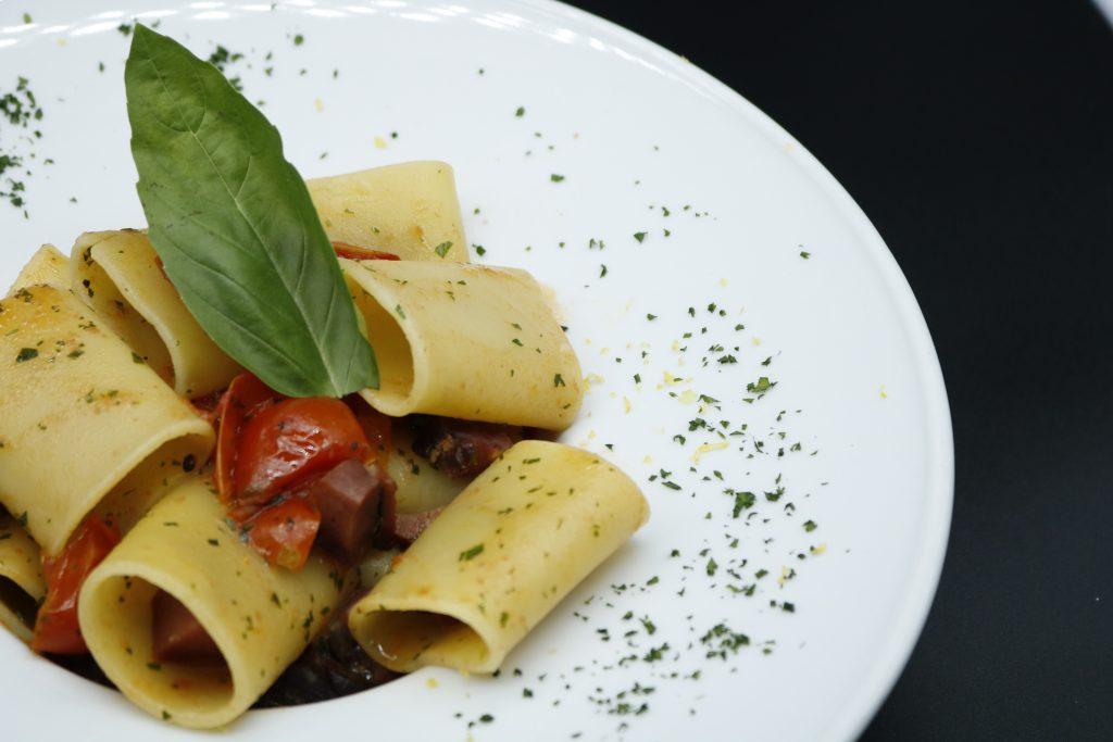 Paccheri-primo-piatto-ristorante-vicolo-corto
